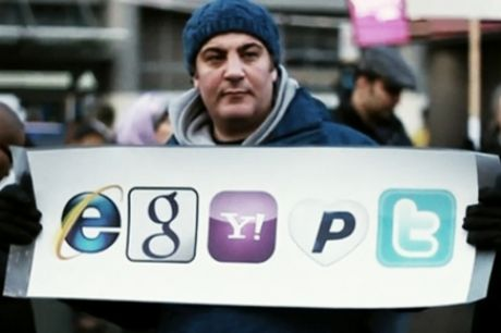 How should Internet and Phone Companies respond in Egypt?