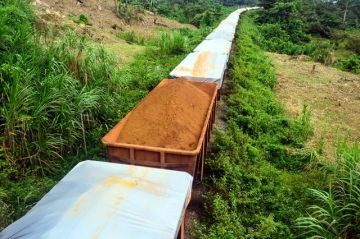 Iron Ore train in Liberia. | Photo: J-B Dodane