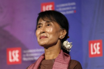 Photo: CSM - http://www.csmonitor.com/Commentary/Opinion/2012/0619/Aung-San-Suu-Kyi-signals-change-in-Burma-but-investors-should-proceed-with-caution