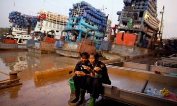 Photo: Guardian - http://www.theguardian.com/sustainable-business/burma-first-steps-investment-western-capital